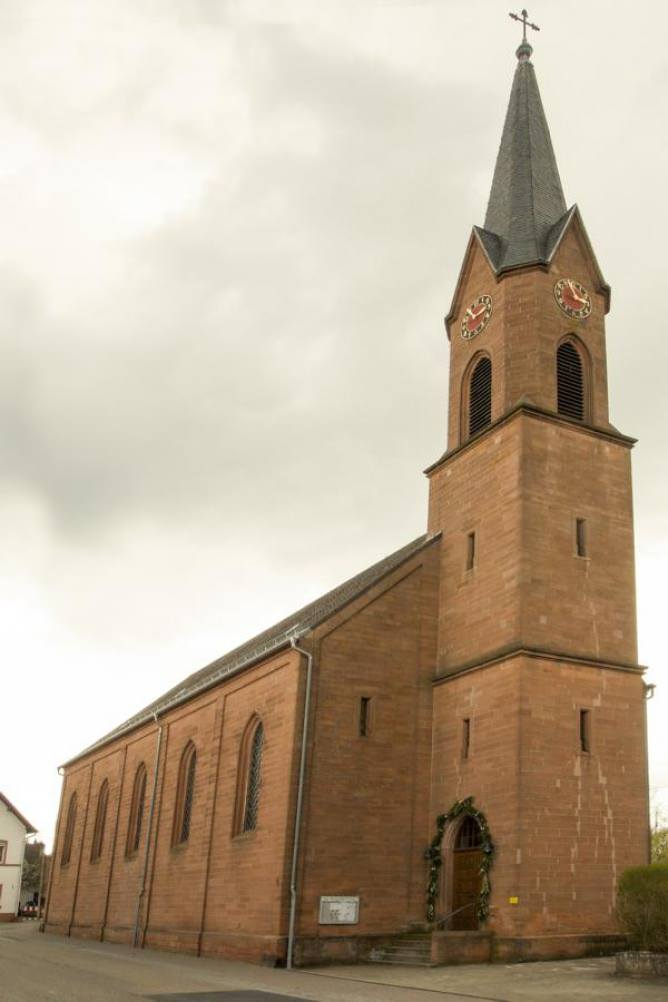 Kirche in der Pfalz, 2018-08-15 13:08:19