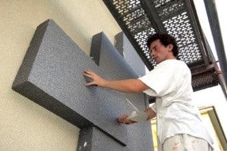 Warum sind Sockelheizleisten so viel umweltfreundlicher als eine Fassadendämmung?
